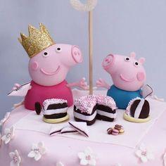 Atelier Sucrème: Pastel cumpleaños de Peppa Pig para Rebeca Fondant Cake Toppers, Fondant Figures, Cupcake Cakes, Pig Birthday Cakes, Birthday Cake Girls, Sweet Cakes, Cute Cakes, Tortas Peppa Pig, Peppa Pig Cakes
