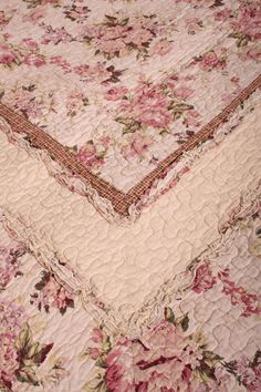 rag quilts | ... Rag Quilt Throw reverse Cottage Vintage Garden Rose Floral Rag Quilt