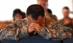 Georgia Military Chapel Shutdown: 'No Catholic Service Till Further Notice'us-army-soldiers-pray-during-a-catholic-service-in-2011nbsp