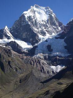East Face of Yerupaja (6635m (21,768 ft)), Cordillera Huayhuash, Peru, by Thom95 via Wikimedia Commons