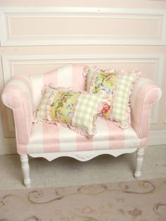 pink striped settee and pillows -Ava's room Muebles Shabby Chic, Shabby Chic Decor, Shabby Cottage, Cottage Chic, Take A Seat, Home And Deco, Little Girl Rooms, My New Room, Dollhouse Furniture