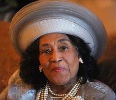 CAMILLA WILLIAMS (1919-2012), Operatic Soprano wearing her 'Crown'