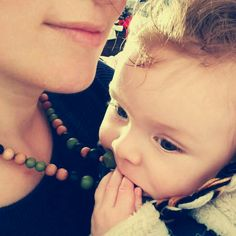 Teething Beads, Baby Teething, Teething Necklace For Mom, Nursing Necklace, Baby Shower Presents, Fine Motor Skills, Baby Wearing, Breastfeeding