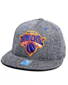 733a1f910b661 Buy New York Knicks Flat brim tweed fitted hat Men s Accessories from  Adidas. Find Adidas