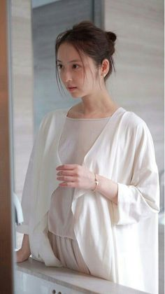 佐々木希 Japanese Beauty, Japanese Girl, Fashion Pants, Fasion, Japanese Goddess, Japan Fashion, Beauty Full, American Women, Powerful Women