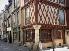 Le Mans: Old Mans - Plantagenet town: Half-timbered houses of the old town, whose house Pillar to the Keys - France-Voyage.com