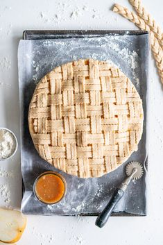 Pear Pie with Ginger Caramel and Spelt Crust — Cloudy Kitchen Caramel Pie, Caramel Apples, Pear Pie, Thing 1, Tart Recipes, Savoury Recipes, Köstliche Desserts, Fresh Ginger, Pie Dish
