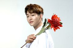[Vyrl] SMTOWN_NOW: SHINee's Onew Beauty with  the SAEM  anyone what yeppeojineun every day habits, it you want to know? Vyrl