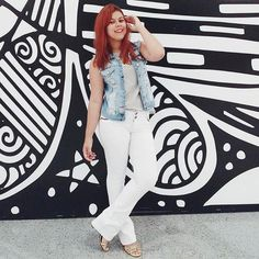Quer saber como usar a mesma peça com estilos diferenciados? Tá rolando um desafio no @blogueiraspm com várias dicas de como variar usando roupas do dia a dia vale a pena conferir! E lá no @estilocajuina eu postei o meu confere lá!  #boanoite #ootn #ootd #modaconsciente #bpmdesafio #looks3x1 #sustentabilidade #estilo #bloggerspiauí #bloggerspm #redhair #fashion #strikeapose by loorycampos http://ift.tt/1TpLSNa