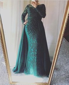 Prom Party Dresses, Party Gowns, Formal Dresses, Dress Party, Burgundy Evening Dress, Evening Dresses, Muslim Prom Dress, Crystal Beads, Designer Dresses
