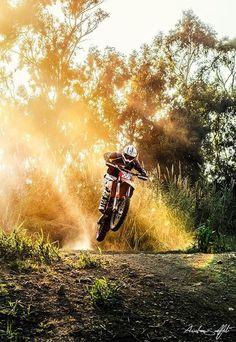 Love dirt bikes!!