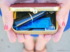DIY: All-Purpose Card Holder From An Altoids Tin