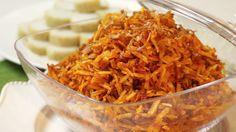SAMBAL GORENG FRIETSTICK (SAMBAL GORENG KENTANG) een paar zakjes frietsticks, chips, of zelfgebakken luciferchips (in olie bakken!)  een uitje  knoflook, fijngeperst of geraspt  beetje sambal  stukje trassie  een grote eetlepel suiker  als je luciferchips hebt: beetje zout    RECEPT:  De ui heel fijn snijden en bakken in wat olie tot ze bruin beginnen te worden, aan het eind de knoflook even mee laten bakken. Niet te lang, knoflook wordt anders bitter. Dan de sambal toevoegen…