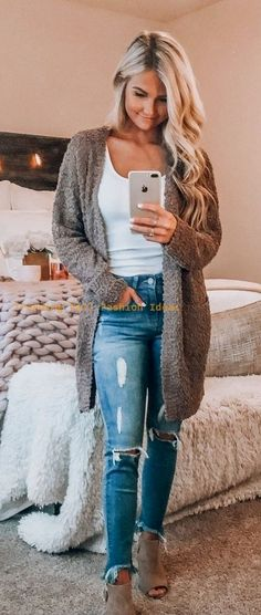 48 Classy Cardigan Outfits for Spring: The sweater is going to keep you warm and fashionable in a cold weather. As previously mentioned, a cardigan can refer to numerous unique styles. Cute Spring Outfits, Casual Fall Outfits, Fall Winter Outfits, Winter Fashion, Casual Winter, Cozy Winter, Winter Wear, Outfits With Hats, Mode Outfits