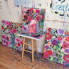 It's blooming in the studio! #carrieschmitt #paintflowers