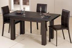 Çoğu kişi mutfak masa sandalye alırken basit modelleri tercih etmeyi düşünür. Daha çok işlevi üzerinde durarak görselliiği arka plana atar.