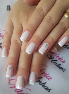 Elegant Look Bridal Nail Art Ideas Schöne 40 + Elegant Look Braut Nail Art Ideen This image has get. Nail Art Diy, Diy Nails, Cute Nails, Natural Wedding Nails, Natural Nails, Natural Looking Nails, Bridal Nail Art, Bridal Toe Nails, Elegant Bridal Nails