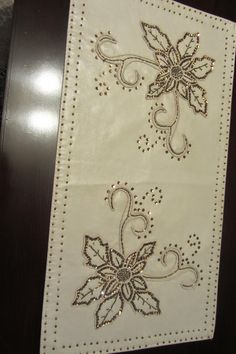 This Pin was discovered by yur Beaded Embroidery, Embroidery Patterns, Hand Embroidery, Machine Embroidery, Bordados Tambour, Gold Work, Doilies, Table Runners, Seed Beads