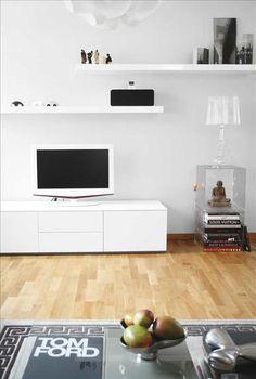 TV-bench, shelves