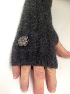 Womens Fingerless Gloves Grey Texting Gloves Vintage by woolywooly