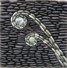 Pebble mosaic with green and black stones♀️♀️mosaic ideas Mosaic Rocks, Pebble Mosaic, Stone Mosaic, Pebble Art, Mosaic Art, Rock Mosaic, Stone Path, Pebble Stone, Brick And Stone