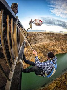 Twin Falls, Idaho caters to daredevil BASE jumpers from around the world. The Places Youll Go, Great Places, Places To Visit, Gopro, Twin Falls, Base Jumping, Paragliding, Skydiving, Extreme Sports