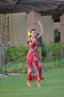 Hula Dancer, Sheraton Kauai Resort, Poipu, Kauai, Hawaii - Photo by John Fischer