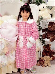 Fleecy Kitten Robe girls free pattern to sew