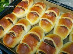 Kysnuté koláče so skvelou škoricovou plnkou ;-) Súčasťou receptu je aj video, ktoré som sľúbila Varecháčke @Motyka :-) Hot Dog Buns, Hot Dogs, Bread, Cake, Food, Brot, Kuchen, Essen, Baking