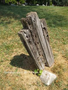 TFS Photos (5/6)- The Unknown Wooden Marker at the Louisville Eastern Cemetery, Louisville, Kentucky (c) The Funeral Source, photo: Ken Naegele (Took so many photos because, we've never seen just a wooden marker like this before). http://www.thefuneralsource.org/cemky.html