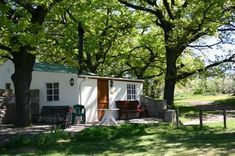 Klondyke Cherry Farm, Ceres, Western Cape on Budget-Getaways Cherry Farm, Provinces Of South Africa, Dutch House, Places Of Interest, Cottage Homes, Weekend Getaways, Lodges, Beautiful Places, Places To Visit