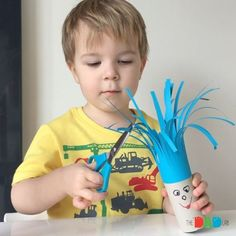 Please ❤️ if you like this simple and fun cutting activity for preschoolers #thedadlab_activities