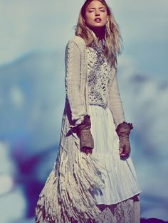 Free People Fringe Fantasy Cardigan, so beautiful... and so expensive... for me at least :(... But it can still stay in my wishlist, who knows what can happen in the future? :D