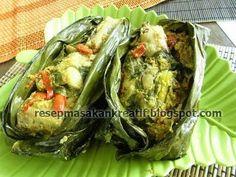 Pepes Ayam Kemangi Indian Food Recipes, Asian Recipes, Healthy Recipes, Asian Foods, Yummy Recipes, Indonesian Cuisine, Indonesian Recipes, Malay Food, Asian Kitchen