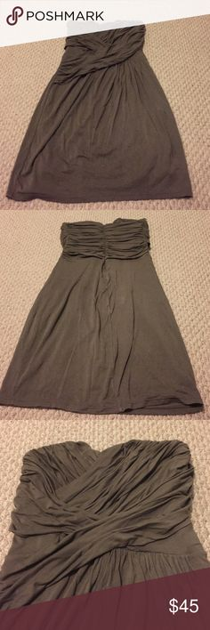 Express Dress This dress is perfect! You can use it for a casual night out or dress is up with some heels and jewelry. I wish I could keep it but it doesn't fit me anymore. Express Dresses Strapless