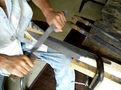 Tai Goo Studio: Tip: Draw filing a knife blade.