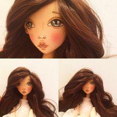 Вот теперь мы определились со цветом волос. Они крепко-накрепко пришиты, их можно смело расчесывать и делать разные причёски. В принципе, этим я сейчас и займусь   #dollybyjully #handmade #doll #artdoll #collectible #bride #кукла #кукларучнойработы #невеста #коллекционнаякукла #авторскаякукла