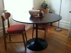 San Francisco: Vintage Saarinen style tulip round dining table $450 - http://furnishlyst.com/listings/1127082