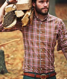 He looks straight out of L.L. Bean. And I don't hate it. // Hot Guys Bundled Up In Plaid Flannel‬