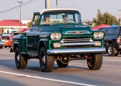 Vintage Pickup Trucks, Classic Pickup Trucks, Gm Trucks, Cool Trucks, Station Wagon, Chevy Apache, Chevy Pickups, Chevy Stepside, Chevy 4x4
