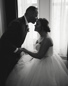 Dream Wedding, Wedding Day, Bridal Gowns, Wedding Dresses, Photo Black, Black And White Photography, Rustic Wedding, Wedding Photos, Groom