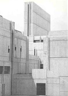 Grenoble Architecture School Grenoble France 1976 Architect: Roland Simounet and Michel Charmont Gothic Architecture, School Architecture, Architecture Details, Interior Architecture, Architecture Drawings, Interior Design, Brutalist Buildings, Modern Buildings, Modernisme