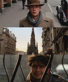 No creí que hubiera escena más perfecta, hasta que he visto el sombrero de fieltro. Sinceramente Sixsmith, por muy ridículo que esa cosa te haga parecer, no creo que haya contemplado jamás algo más bello. Robert Frobisher El atlas de las nubes