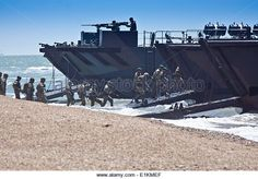 Portsmouth, Hampshire, UK. 05th June, 2014.The Royal Marines stage a modern day landing. Credit: Scott Carruthers/Alamy - Stock-Bilder