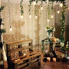 BANCO DE PALLET Rustic Wedding Backdrops, Outdoor Wedding Decorations, Diy Party Decorations, 50th Wedding Anniversary Decorations, Photo Corners, Gold Wedding Invitations, Diy Wedding, Wedding Table, Creations