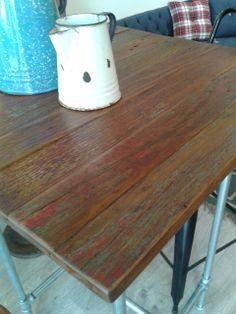 Nueva mesa alta Periquera  Pipeline. Fabricada con tuberia  y madera de pino reciclada de pisos antiguos. Disponible ya en Ünik Vintage Furniture. Puedes verlo en Expo Habitat 2014 en WTC de la Ciudad de México.