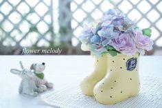 ハンドメイドマーケット minne(ミンネ)| 可愛い長靴花器のアジサイアレンジ