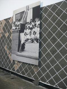 A Ginasta + Barrado [fotografia e argila fresca aplicada sobre parede, detalhe], Nydia Negromonte, 2012