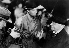 Foreign Correspondent(1940)USA__My Rating:7.5/10__Director:Alfred Hitchcock__Stars:Joel McCrea、Laraine Day、George Sanders、Herbert Marshall
