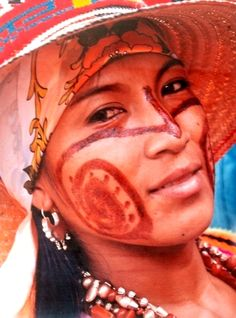 A Wuayuu woman, Colombia. Latin America, South America, Folklorico Dresses, Native American Tribes, Central America, Most Beautiful Women, Butterflies, Birds, Culture